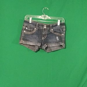 Hydraulic sz 5/6 embroidered distressed shorties